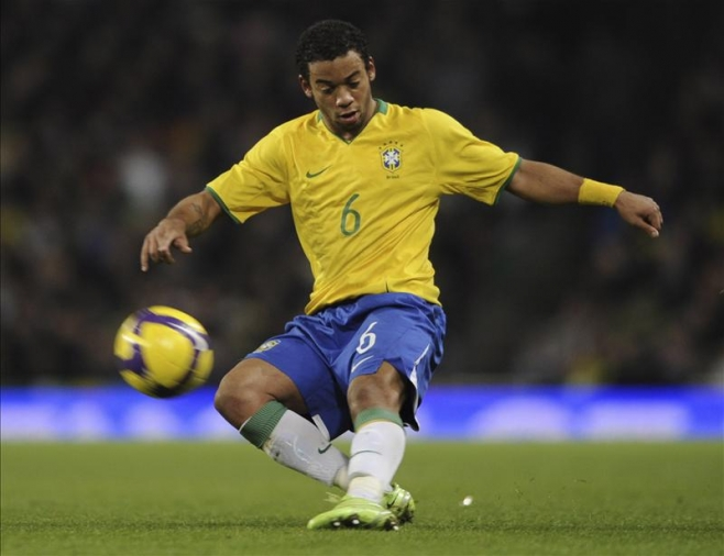 Marcelo reaffirms his loyalty to Brazil