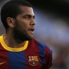 Alves no regala nada al Madrid