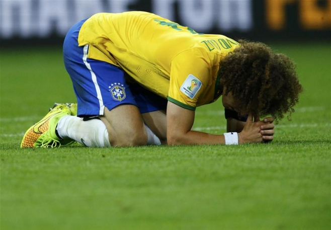 Tim Vickery Column: Why David Luiz is evidence that Brazilian football has drifted away from the sound concepts of how the game should be played